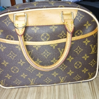 LOUIS VUITTON - louisvuitton