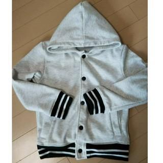 ライトオン(Right-on)のパーカー 子供服 上着 アウターサイズ130(ジャケット/上着)
