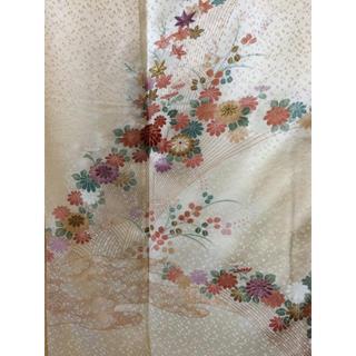 正絹 綸子 柴垣に菊、楓模様付下げ 裄長め 身幅ゆとりあり