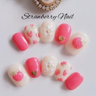 ぷっくり苺のネイルチップ*°【ピンク ベージュ 赤 いちご セミオーダー】