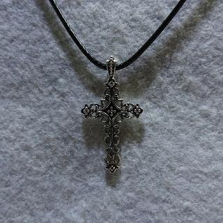 ビンテージ風十字架のペンダント42cm+5cm(ネックレス)