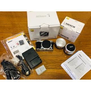 Nikon - Nikon1 j5 ズームレンズキット (シルバー)+ 単焦点レンズ