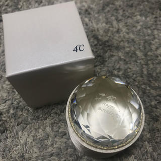 4℃ - 4℃ バースデーアクセサリーケース