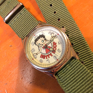 FOSSIL - FOSSIL  BETTY  BOOP  中古