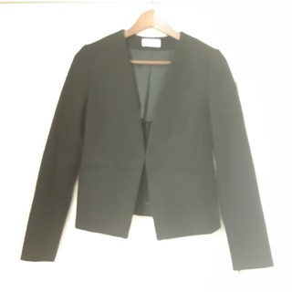 プラステ(PLST)の☆PLSTノーカラージャケットスカートスーツ黒美品☆(スーツ)