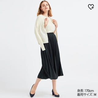 ユニクロ(UNIQLO)のnatsu*様専用UNIQLO プリーツスカート  ネイビー(ロングスカート)