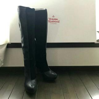 ヴィヴィアンウエストウッド(Vivienne Westwood)のヴィヴィアンロングブーツ(ブーツ)