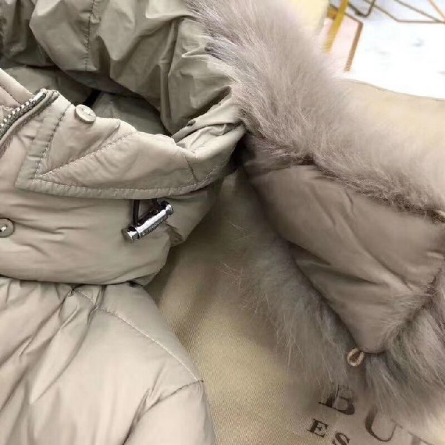 BURBERRY(バーバリー)のバーバリーロンドン ロングダウンコート レディースのジャケット/アウター(ダウンコート)の商品写真