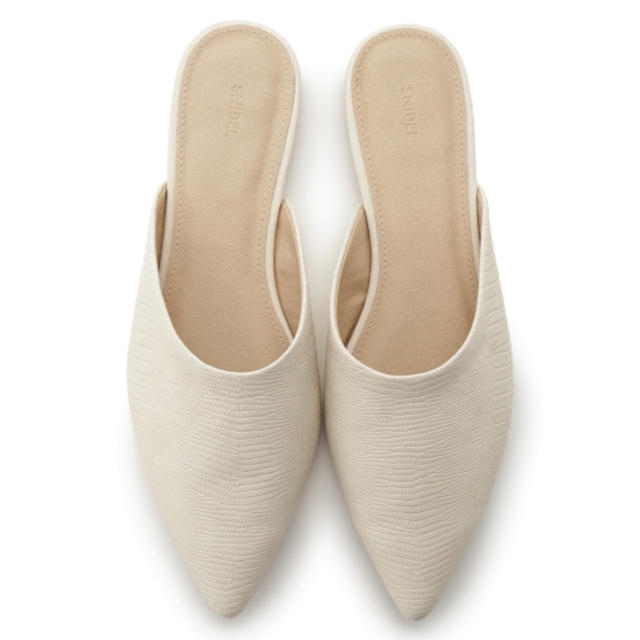 snidel(スナイデル)のSNIDEL フラットシューズ レディースの靴/シューズ(ハイヒール/パンプス)の商品写真