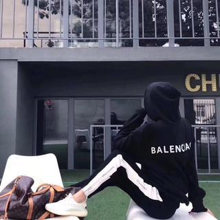 Balenciaga - 2枚9000円送料込み★BALENCIAGA★長袖パーカー男女兼用【黒のXL】