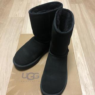 UGG - 【UGG/アグ】ムートンブーツ US7(24cm)ブラック クラシック ショート
