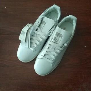アディダス(adidas)の  adidas正規品 ホワイト スニーカー  新品(スニーカー)
