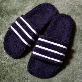 アディダス(adidas)のadidas ボアサンダル 新品(サンダル)