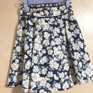 マジェスティックレゴン(MAJESTIC LEGON)のMAJESTIC LEGON 花柄スカート(ミニスカート)