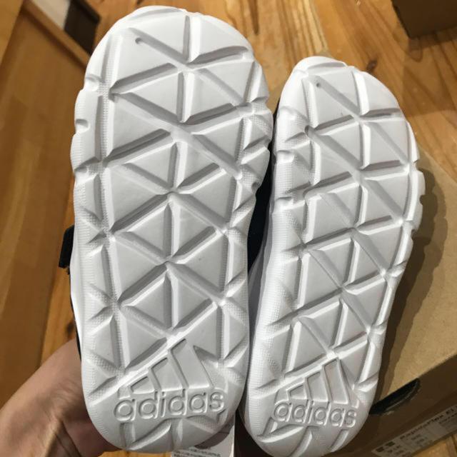 adidas(アディダス)のadidas キッズスニーカー 16センチ キッズ/ベビー/マタニティのキッズ靴/シューズ (15cm~)(スニーカー)の商品写真