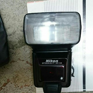 Nikon - ニコン  スピードライトSB-24