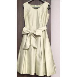 アベニールエトワール(Aveniretoile)のパーティーワンピース ドレス サイズ34 ライトグリーン(ひざ丈ワンピース)