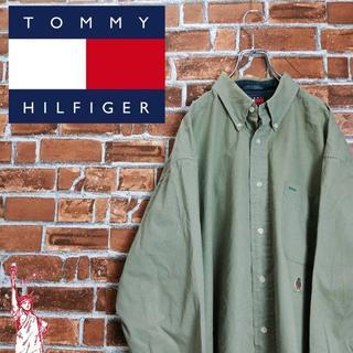 トミーヒルフィガー(TOMMY HILFIGER)の【大人っぽいティーグリーン】【90s】トミーヒルフィガー☆刺繍ロゴ BDシャツ(シャツ)
