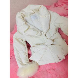 セシルマクビー(CECIL McBEE)のセシルマクビー 白 ダウンジャケット 新品未使用 タグ付き(ダウンジャケット)