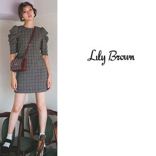 Lily Brown - Lily Brown パワーショルダーレトロワンピース
