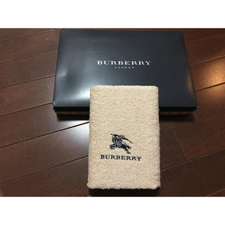 BURBERRY - 新品 未使用  バーバリー タオル 1枚