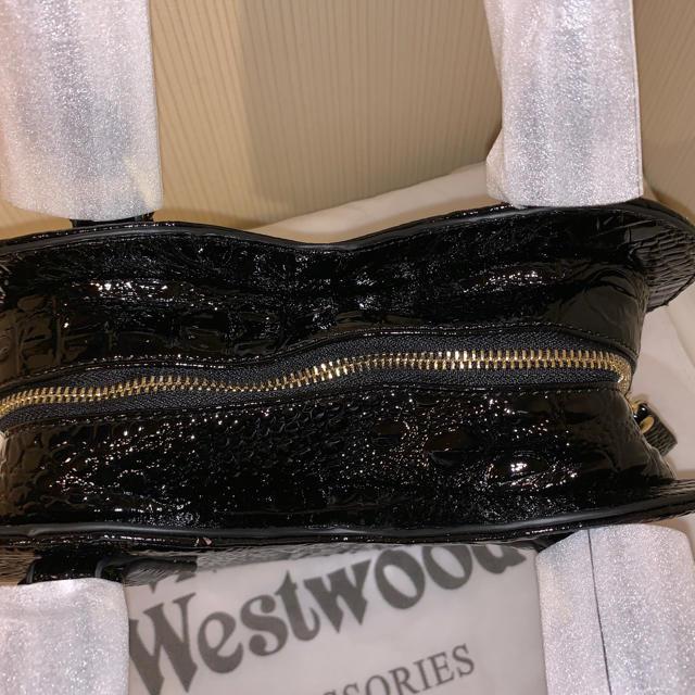 Vivienne Westwood(ヴィヴィアンウエストウッド)の今日のみヴィヴィアンウエストウッドクロコ型押しハート2wayバック レディースのバッグ(ショルダーバッグ)の商品写真