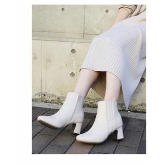 ショートブーツ  スクエアトゥブーツ ホワイトブーツ(ブーツ)