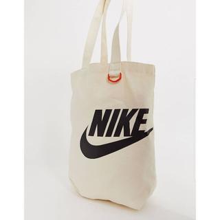 NIKE - 今流行!Nike(ナイキ) トートバッグ 肩掛け ホワイト