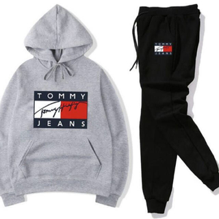 TOMMY HILFIGER - トミー セットアップ