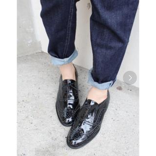 イエナスローブ(IENA SLOBE)のスローブイエナ エナメルオックスフォードシューズ 黒(ローファー/革靴)