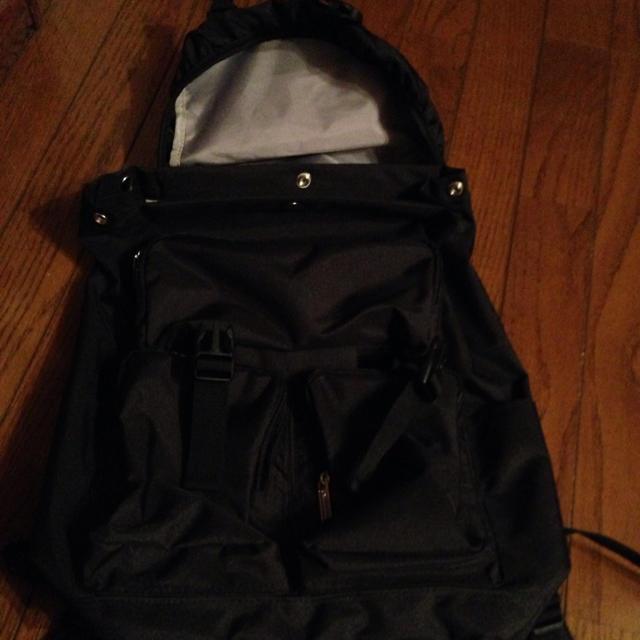 Champion(チャンピオン)の新品未使用チャンピオンリュック黒タグ付き レディースのバッグ(リュック/バックパック)の商品写真