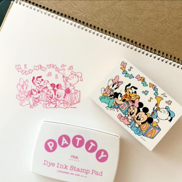 Disney(ディズニー)のHAPPY NEW YEAR  ミッキーフレンズ スタンプ インク セット ハンドメイドの文具/ステーショナリー(はんこ)の商品写真