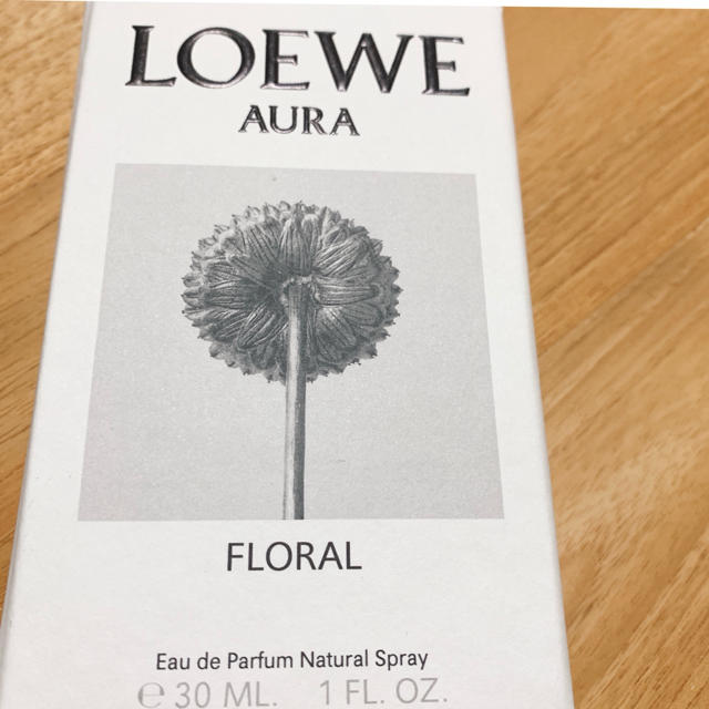 LOEWE(ロエベ)のLOEWE AURA FLORAL 30ml コスメ/美容の香水(香水(女性用))の商品写真
