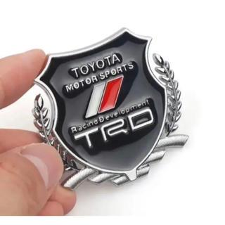 新入荷!TRDロゴ3D立体メタルエンブレムシルバー2個セットトヨタTOYOTA