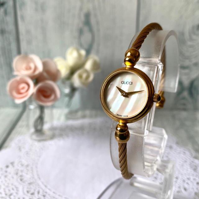 Gucci - 【美品】GUCCI グッチ 2700.2L 腕時計 シェル ゴールドの通販