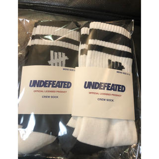 UNDEFEATED - undefeated 新作 ソックス 白 黒 2足セット