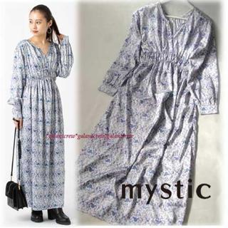 mystic - 新品タグ付き  mysticミスティック 光沢サテン花柄ロングワンピース