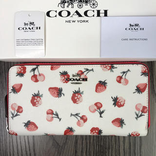 コーチ(COACH)のCOACH ストロベリー アコーディオン チェリー    長財布 チョークマルチ(財布)