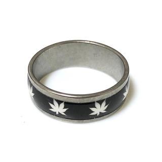 同時購入で300円 ステンレス指輪ヘンプ黒(リング(指輪))