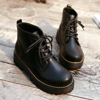 厚底 レディース イングランド風 厚底ブーツ    黒 (ブーツ)