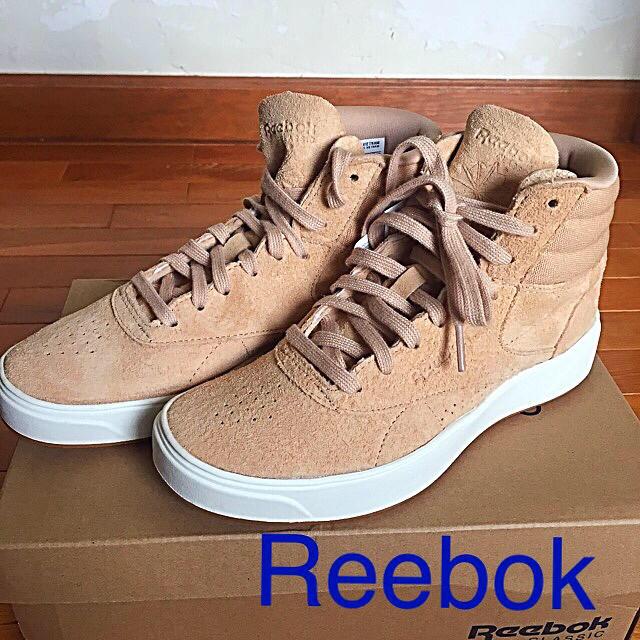 Reebok(リーボック)のshun様専用です★リーボックハイカットシューズ レディースの靴/シューズ(スニーカー)の商品写真