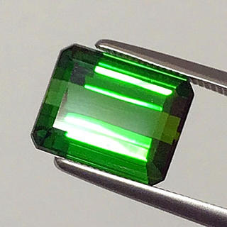 《宝石⚜ルース》極上美品✳天然グリーントルマリン 5.371ct 鑑別付(リング(指輪))