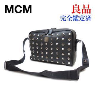 エムシーエム(MCM)の良品 MCM エムシーエム スタッズ ショルダーバッグ 黒 PVC(ショルダーバッグ)