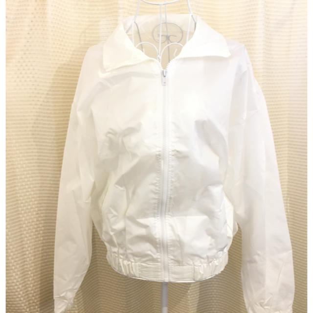 無地 ナイロンジャンパー ホワイト 裾ゴム入り #Cattleya レディースのジャケット/アウター(ナイロンジャケット)の商品写真