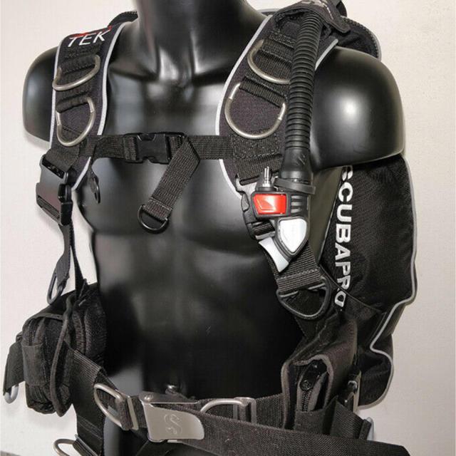 SCUBAPRO(スキューバプロ)のScubapro Tek Bcd 新品 スポーツ/アウトドアのスポーツ/アウトドア その他(マリン/スイミング)の商品写真