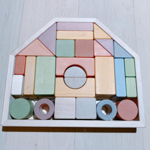 BorneLund(ボーネルンド)のぴいちゃん専用✨エドインターつみきのいえM 知育玩具積木パステルカラー キッズ/ベビー/マタニティのおもちゃ(積み木/ブロック)の商品写真