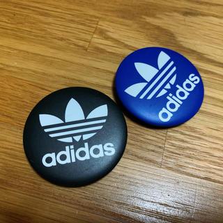 アディダス(adidas)のadidas缶バッチ2つ(バッジ/ピンバッジ)