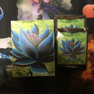 マジックザギャザリング(マジック:ザ・ギャザリング)のMTG ブラックロータス/Black Lotusデッキケース &スリーブ100枚(カードサプライ/アクセサリ)
