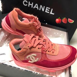 シャネル(CHANEL)のCHANEL シャネル2019SSスエード スニーカー ピンク×レッド(スニーカー)