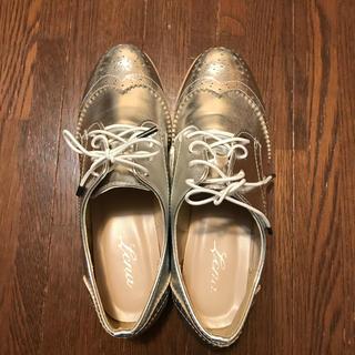 新品、未使用シルバーローヒール(ローファー/革靴)